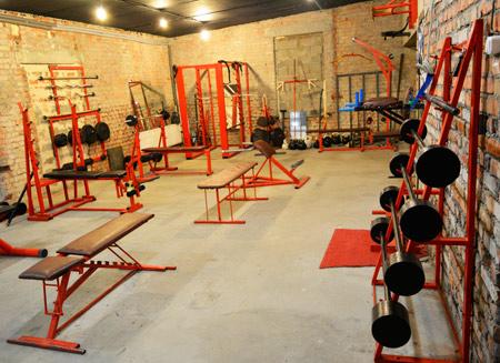 бесплатный тренажерный зал бодибилдинг псков самсон сергей гаврилов школа танцев