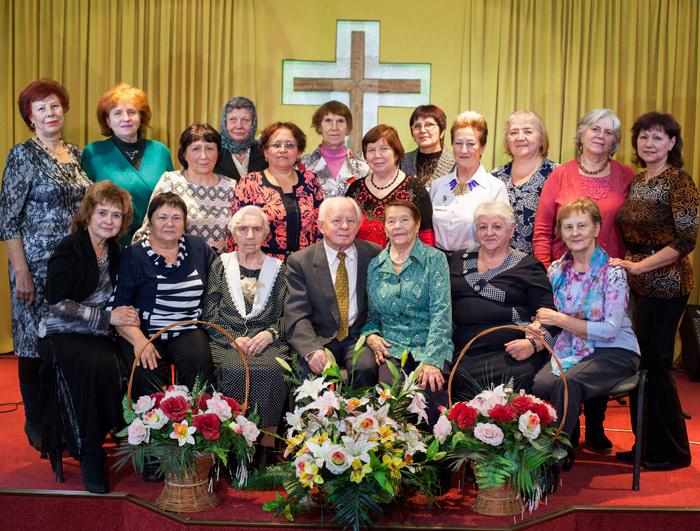 золотые годы псков церковь божья старшее поколение